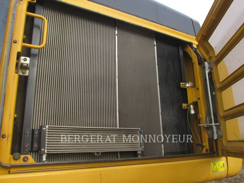 CATERPILLAR TRACK EXCAVATORS 349E equipment  photo 15