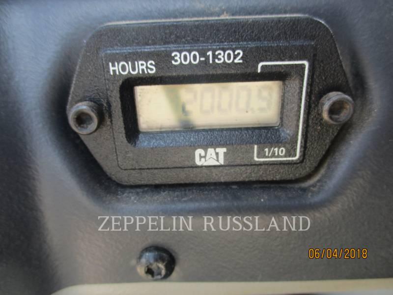 CATERPILLAR COMPATTATORE PER ASFALTO A DOPPIO TAMBURO VIBRANTE CB-434D equipment  photo 3