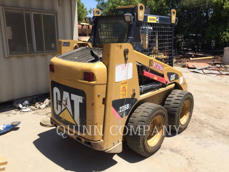 CATERPILLAR MINICARREGADEIRAS 226B2 equipment  photo 3