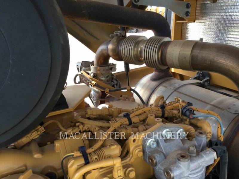 CATERPILLAR COMPATTATORE A SINGOLO TAMBURO VIBRANTE TASSELLATO CP56B equipment  photo 11