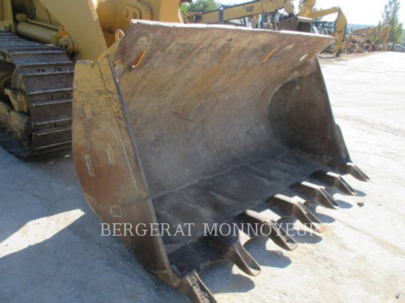 CATERPILLAR CHARGEURS SUR CHAINES 963 equipment  photo 10
