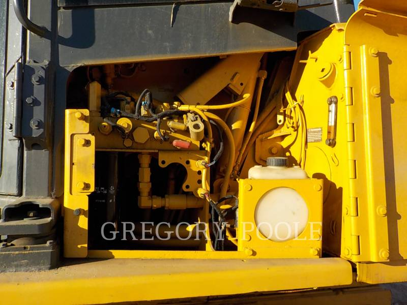DEERE & CO. KETTENDOZER 750K LGP equipment  photo 17