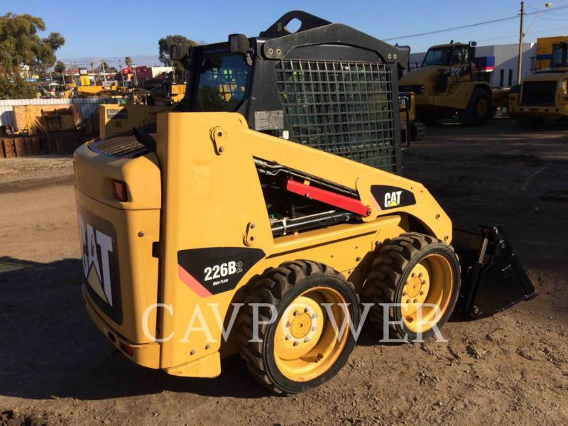 CATERPILLAR MINICARGADORAS 226B2 equipment  photo 3