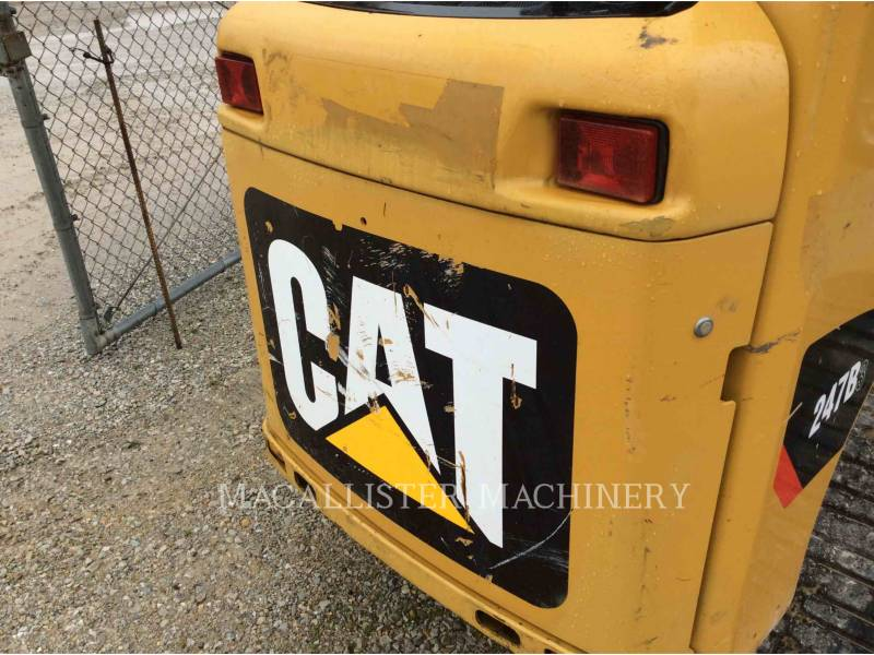 CATERPILLAR CHARGEURS TOUT TERRAIN 247B equipment  photo 7