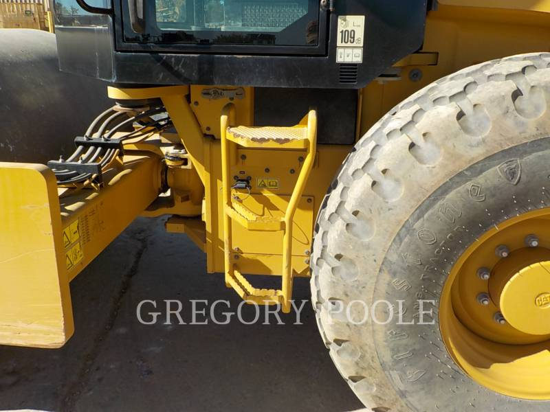CATERPILLAR COMPACTADORES DE SUELOS CS66B equipment  photo 16