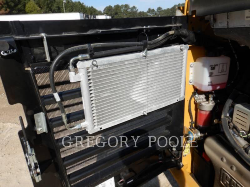 CATERPILLAR KOMPAKTLADER 262D equipment  photo 23