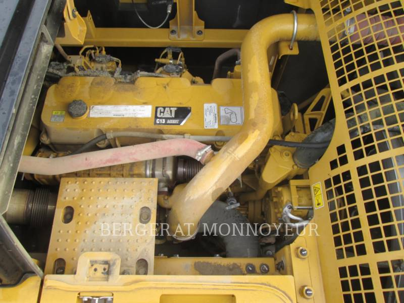CATERPILLAR TRACK EXCAVATORS 349E equipment  photo 11