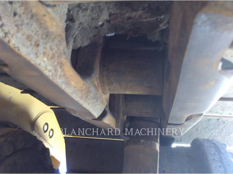 CATERPILLAR KETTENDOZER D6TLGP equipment  photo 18