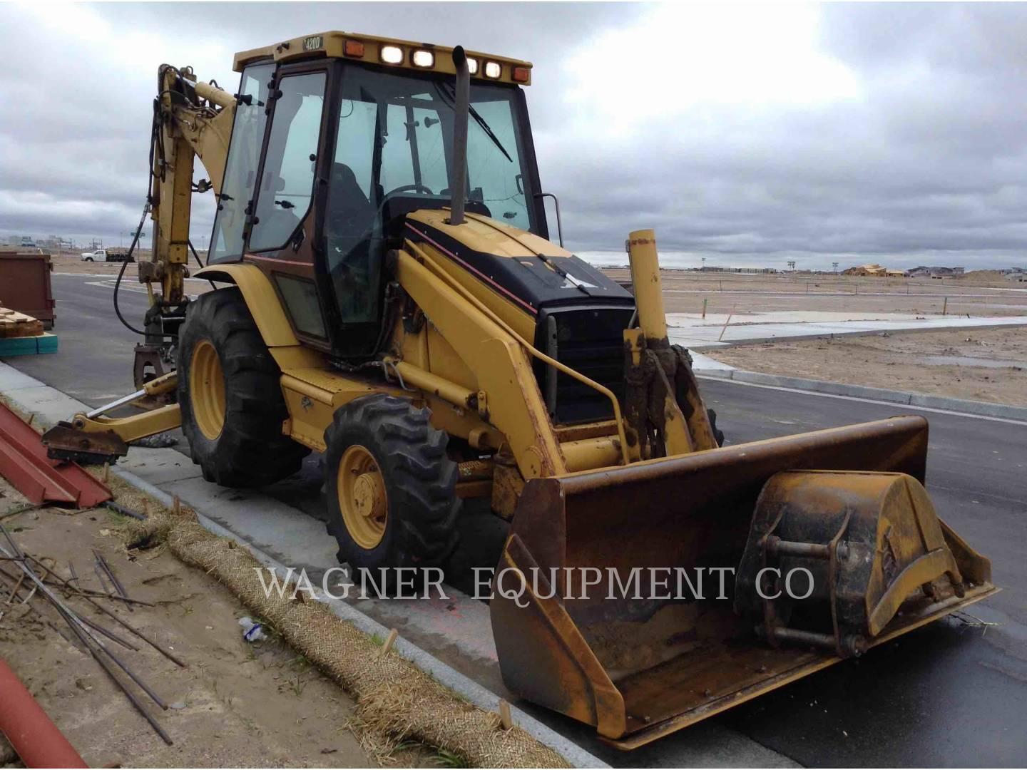 Detail photo of 2004 Caterpillar 420D from Construction Equipment Guide