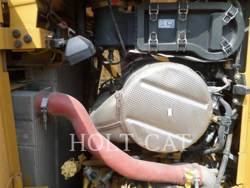 CATERPILLAR TRACTORES DE CADENAS D6TXW equipment  photo 9