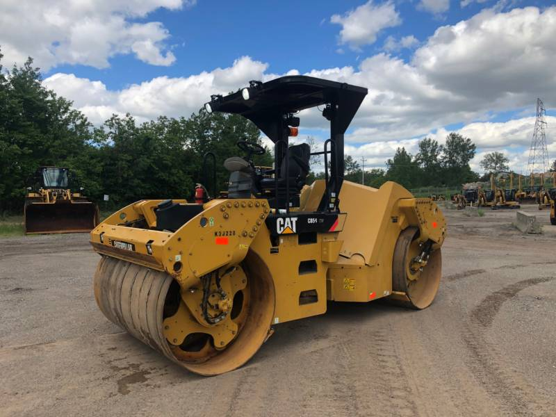 CATERPILLAR TANDEMVIBRATIONSWALZE, ASPHALT CB 54 equipment  photo 1