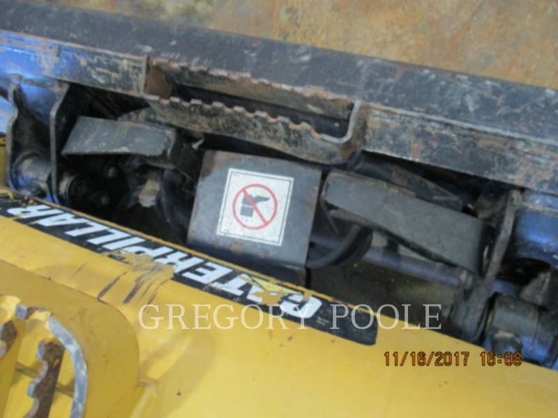 CATERPILLAR CHARGEURS TOUT TERRAIN 279C equipment  photo 8