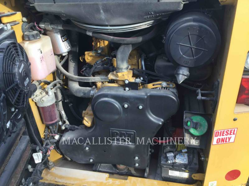 CATERPILLAR CHARGEURS COMPACTS RIGIDES 272D equipment  photo 10