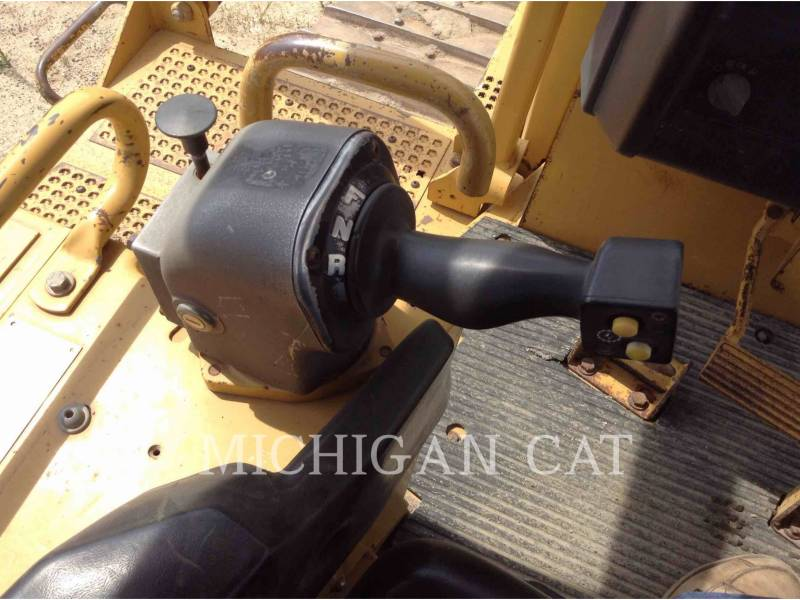 CATERPILLAR TRACK TYPE TRACTORS D6RXL equipment  photo 8