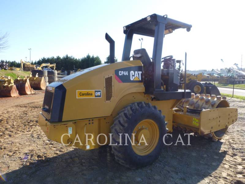CATERPILLAR EINZELVIBRATIONSWALZE, BANDAGE CP44 equipment  photo 6