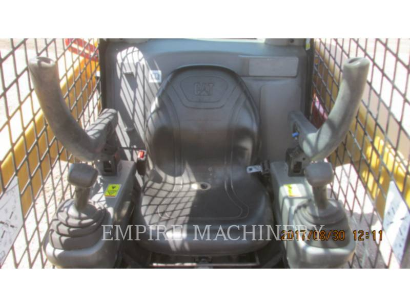 CATERPILLAR MINICARGADORAS 242D equipment  photo 9