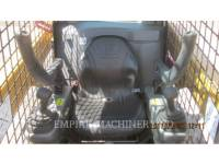 CATERPILLAR CHARGEURS COMPACTS RIGIDES 242D equipment  photo 9