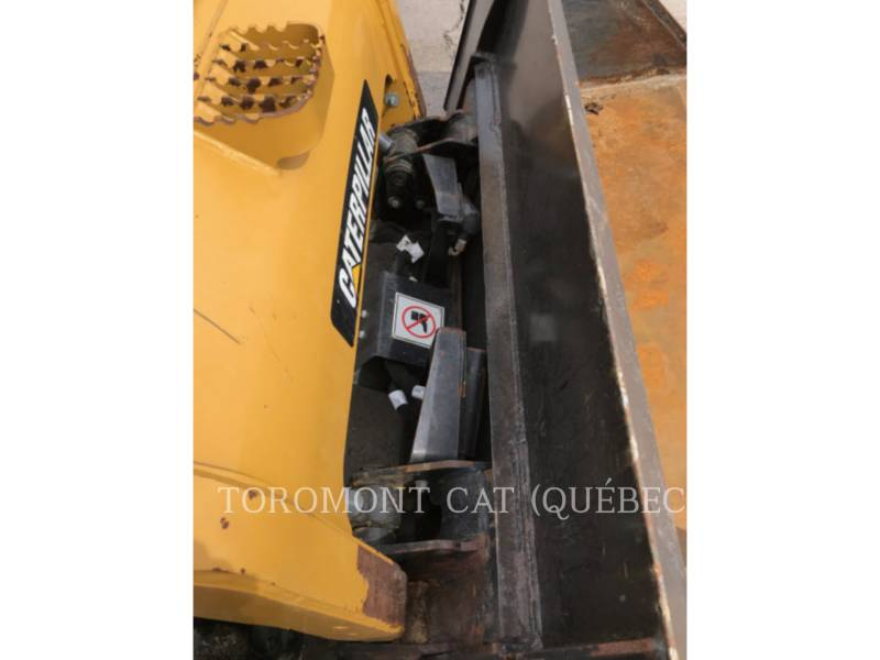 CATERPILLAR CHARGEURS SUR CHAINES 279C equipment  photo 8