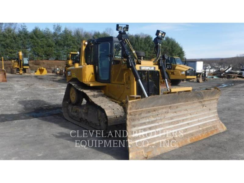 CATERPILLAR TRACTEURS SUR CHAINES D6T XL equipment  photo 1