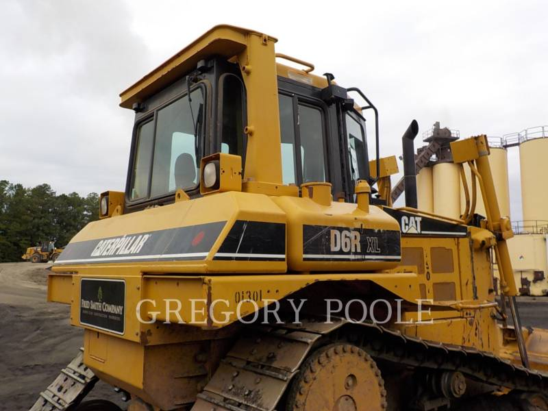 CATERPILLAR TRACK TYPE TRACTORS D6T XL equipment  photo 12