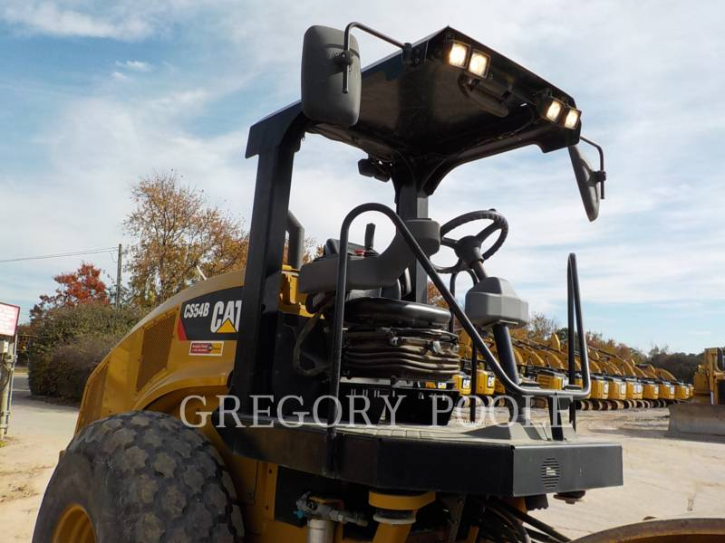 CATERPILLAR VIBRATORY SINGLE DRUM SMOOTH CS-54B equipment  photo 5