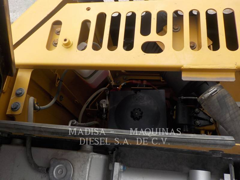 CATERPILLAR EXCAVADORAS DE CADENAS 312D2L equipment  photo 19