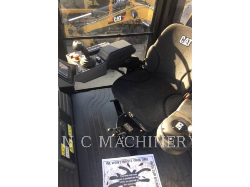 CATERPILLAR TANDEMVIBRATIONSWALZE, ASPHALT CB44B equipment  photo 9