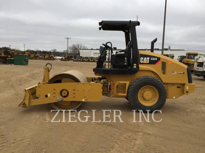 CATERPILLAR COMPACTORS CS44 equipment  photo 6