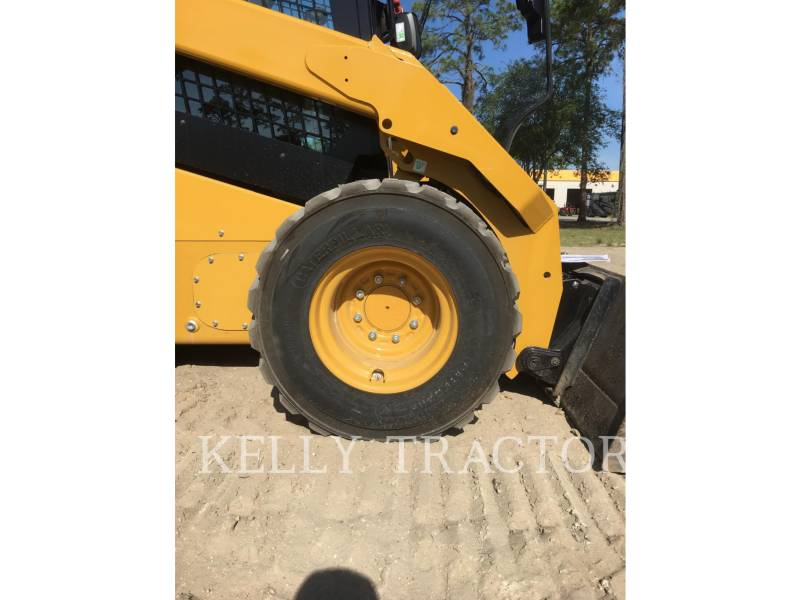 CATERPILLAR CHARGEURS COMPACTS RIGIDES 262D equipment  photo 14