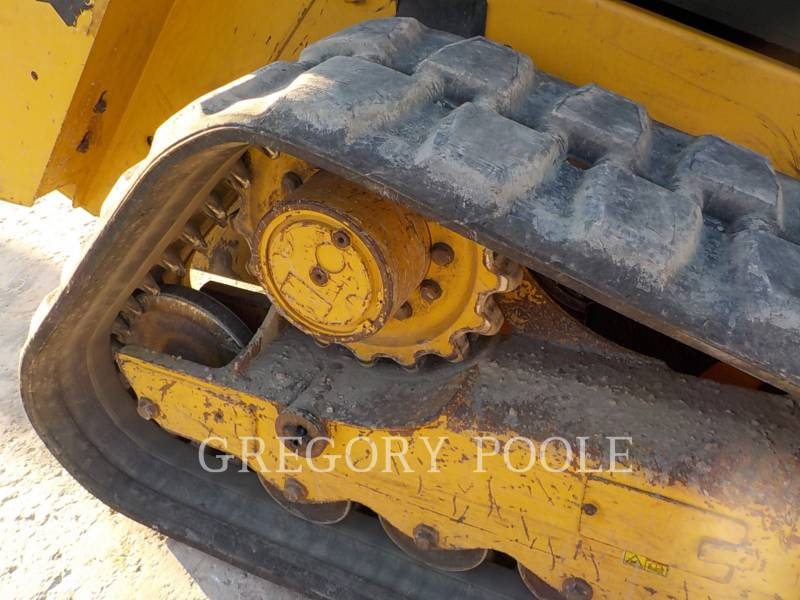 CATERPILLAR CHARGEURS TOUT TERRAIN 279D equipment  photo 20