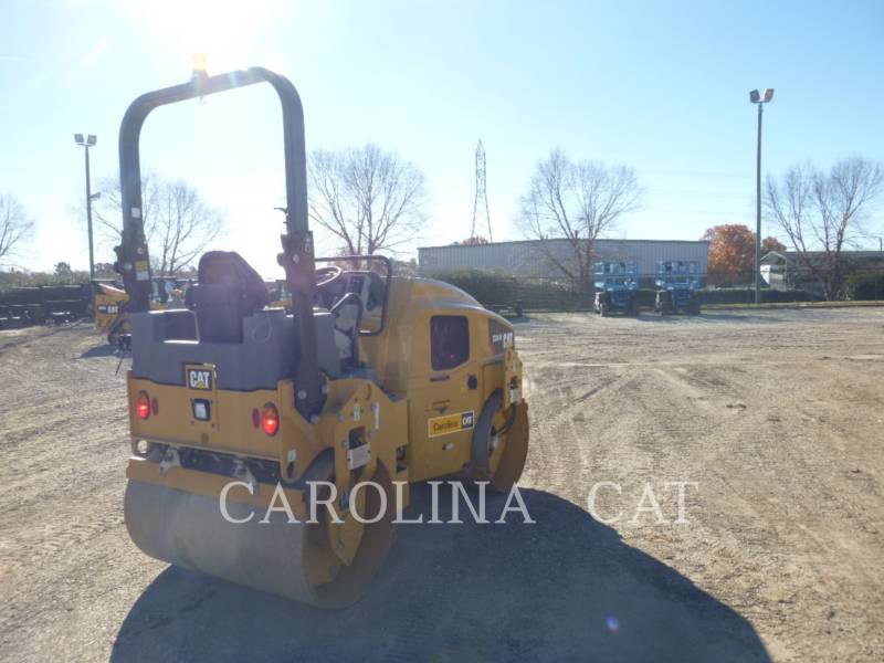 CATERPILLAR TANDEMVIBRATIONSWALZE, ASPHALT CB34B equipment  photo 5