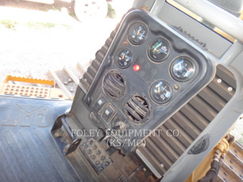 Detail photo of 2002 Caterpillar D5G from Construction Equipment Guide