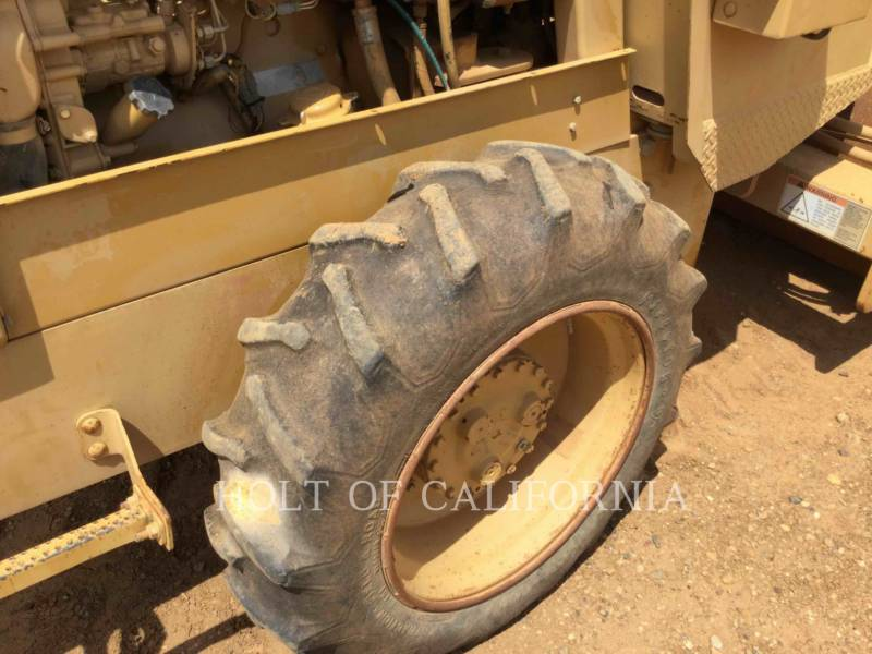 CATERPILLAR COMPACTADORES CS-323C equipment  photo 12