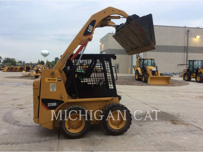 CATERPILLAR SKID STEER LOADERS 226B2 equipment  photo 16