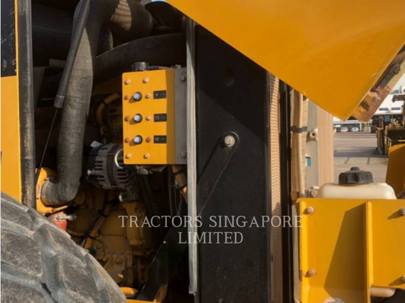 CATERPILLAR VIBRATORY SINGLE DRUM SMOOTH CS-533E equipment  photo 18