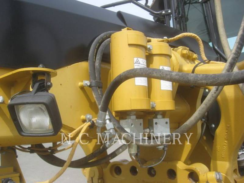 CATERPILLAR MOTONIVELADORAS 140M equipment  photo 9