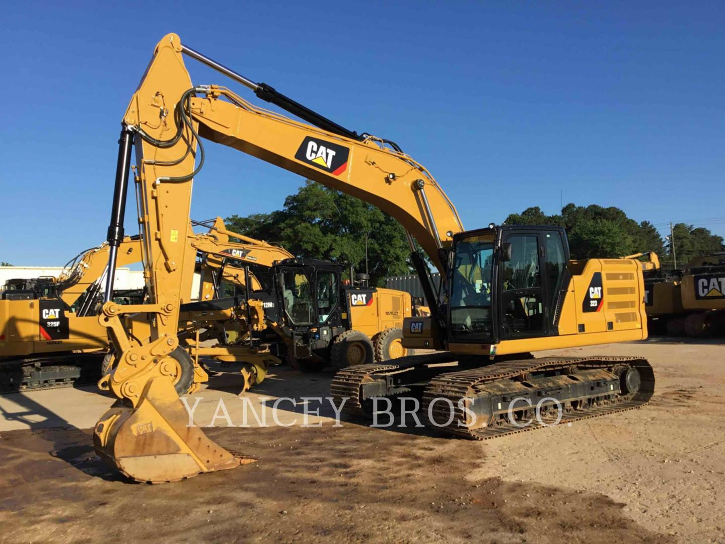 2018 - CATERPILLAR - 323 TC