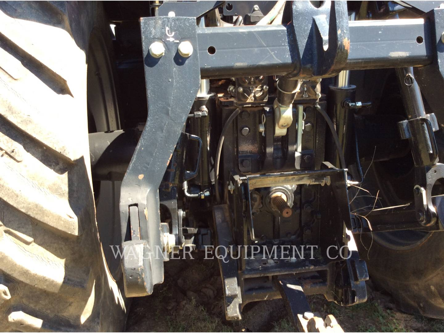 Detail photo of 2006 Case IH MX305 from Construction Equipment Guide