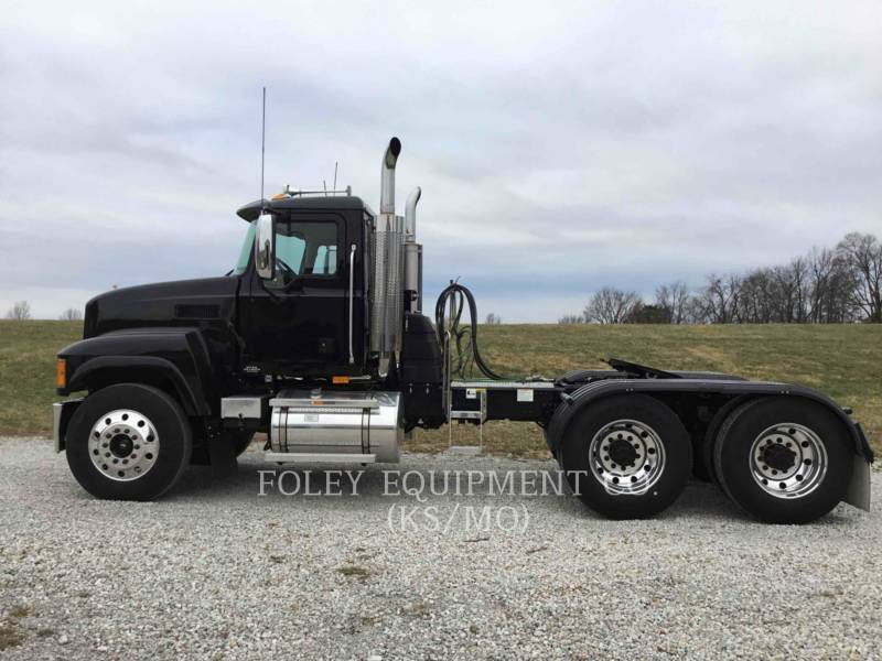 MACK CAMIONS ROUTIERS CNH613 equipment  photo 3