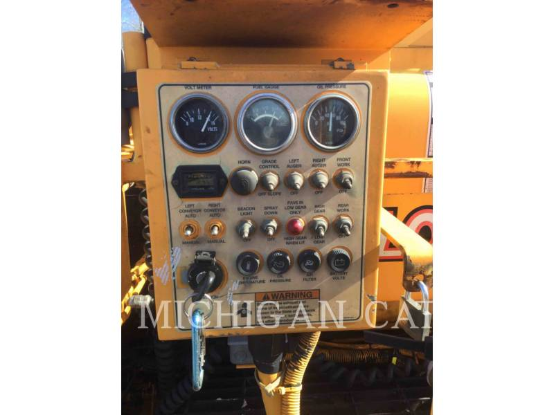 LEE-BOY PAVIMENTADORA DE ASFALTO 8500 equipment  photo 16