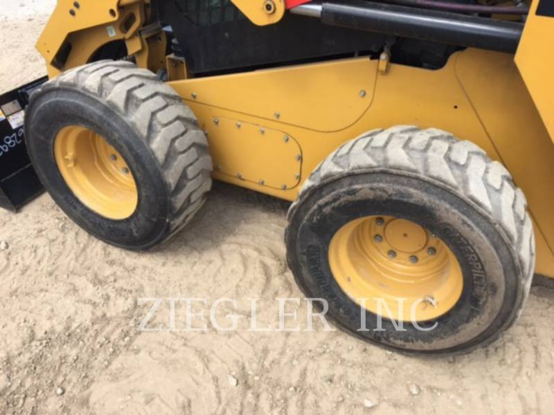 CATERPILLAR SKID STEER LOADERS 246DSR equipment  photo 3