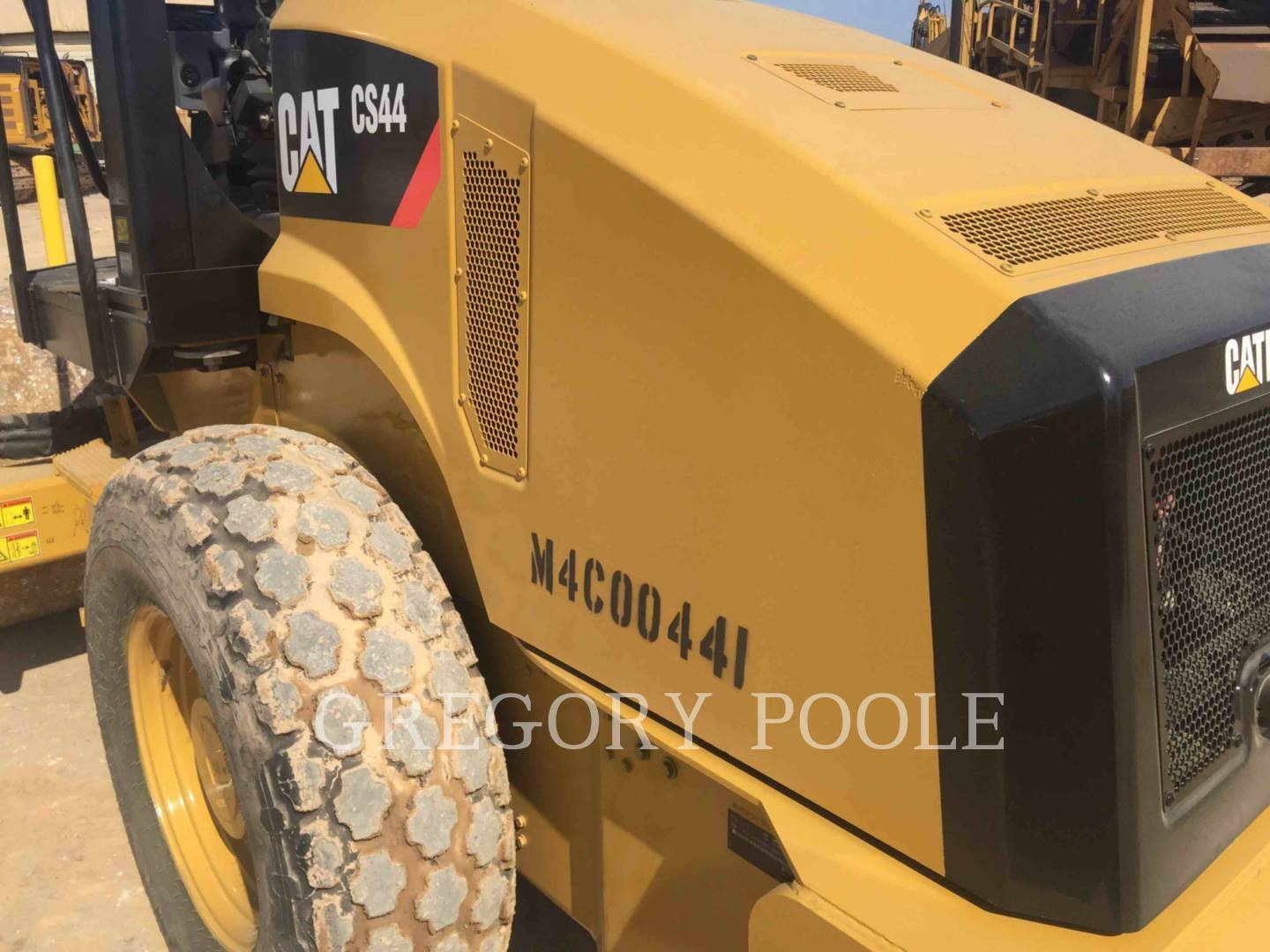 Detail photo of 2013 Caterpillar CS44 from Construction Equipment Guide