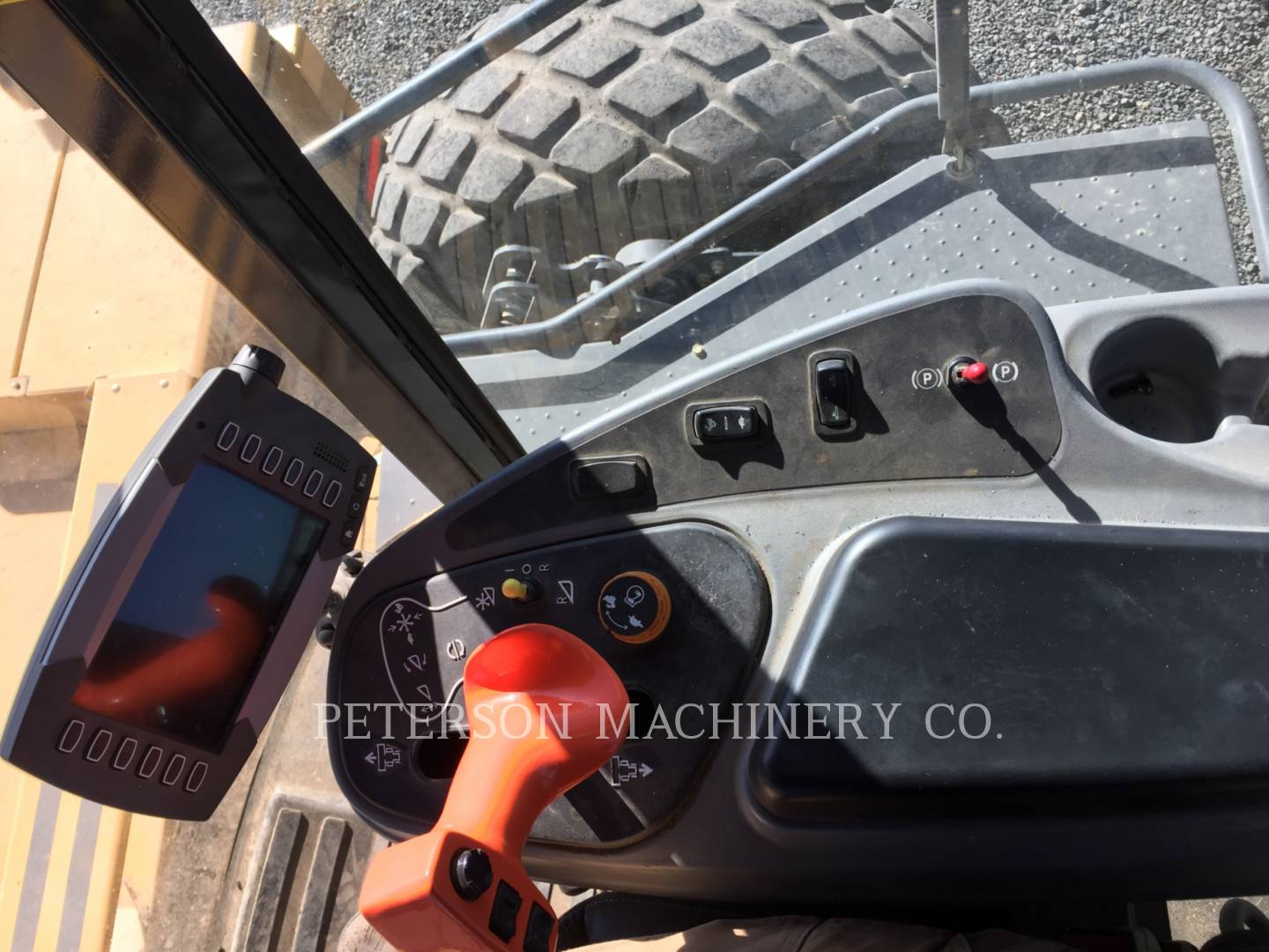 Detail photo of 2012 Massey Ferguson CHWR9770 from Construction Equipment Guide