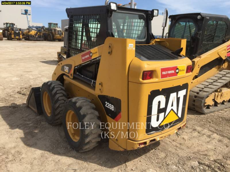 CATERPILLAR SKID STEER LOADERS 226B3STD1C equipment  photo 4