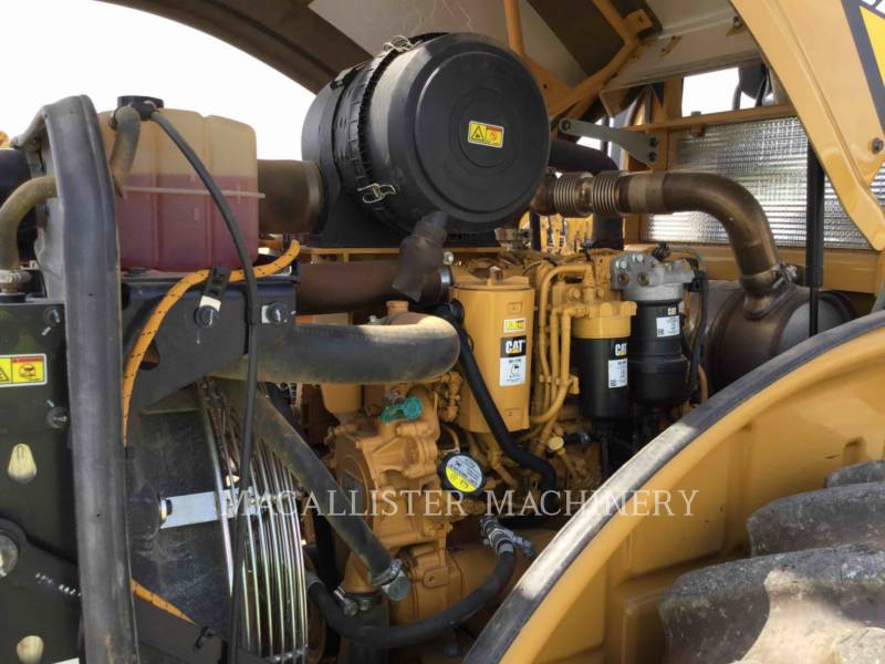 CATERPILLAR COMPATTATORE A SINGOLO TAMBURO VIBRANTE TASSELLATO CP56B equipment  photo 9