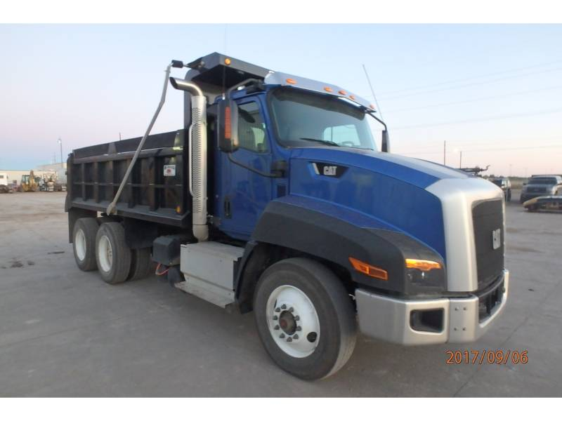 CATERPILLAR CAMIONS ROUTIERS CT660S equipment  photo 2