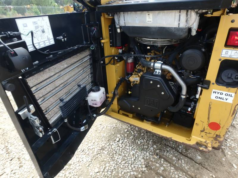 CATERPILLAR MINICARGADORAS 232D equipment  photo 19