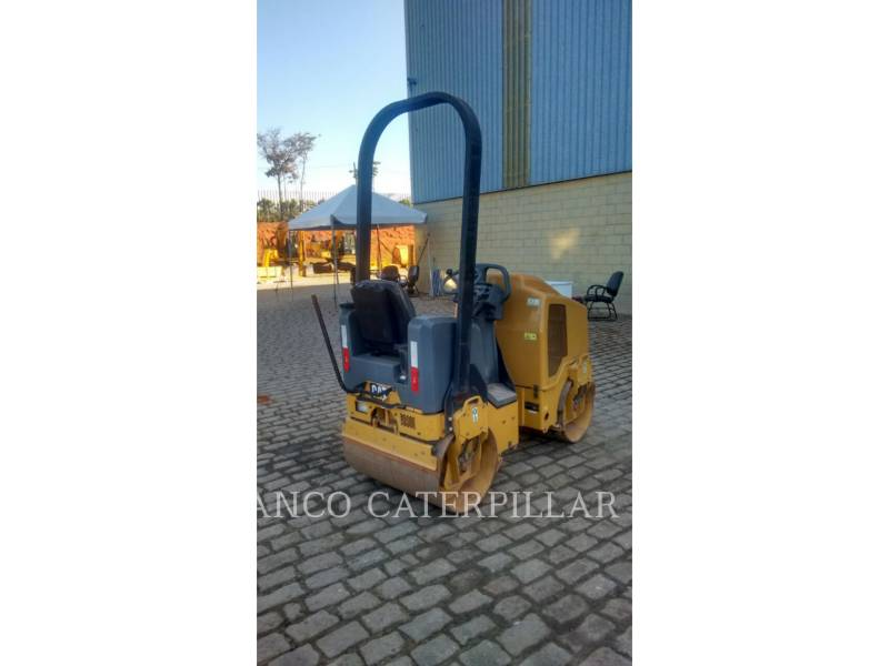 CATERPILLAR ROLO COMPACTADOR DE ASFALTO DUPLO TANDEM CB14B equipment  photo 5