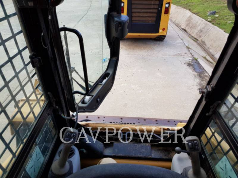 CATERPILLAR CHARGEURS COMPACTS RIGIDES 226B2 equipment  photo 7
