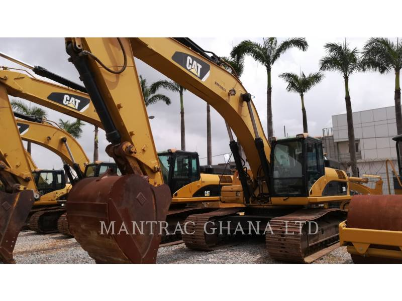 CATERPILLAR TRACK EXCAVATORS 330 D L equipment  photo 2